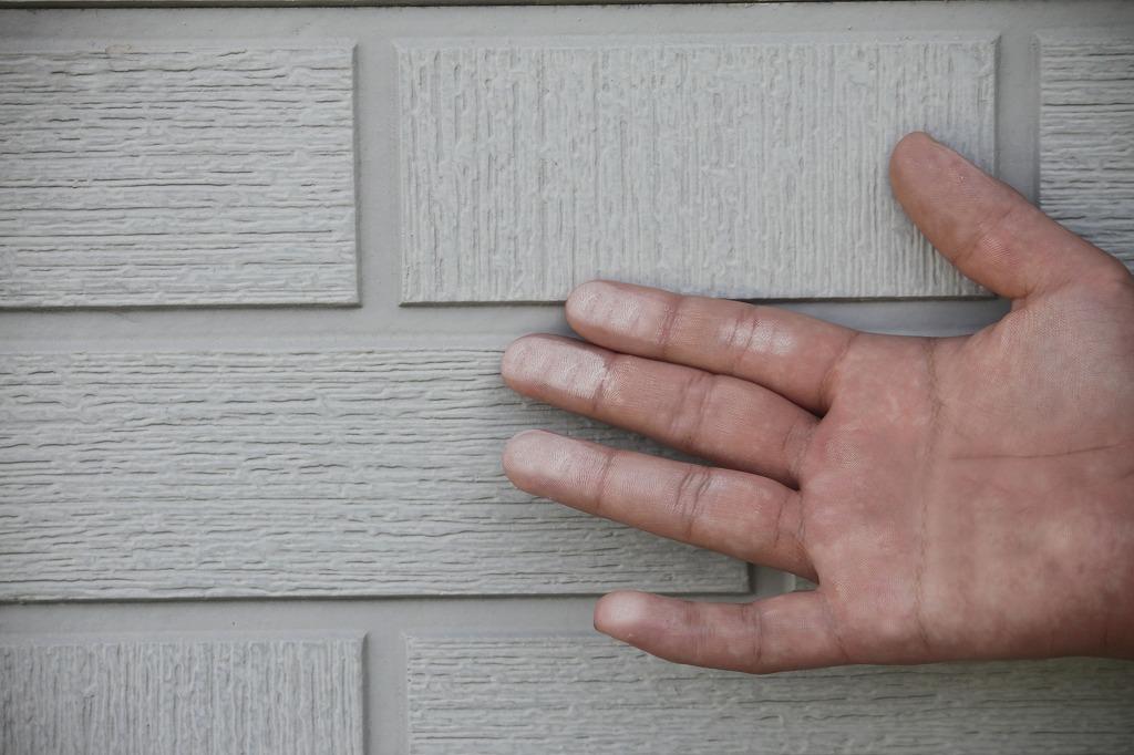 外壁塗装をしなければならないお家のサイン